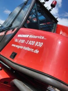 Vermietung von Diesel Scherenbühnen bei WAGNER