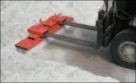 Gabelstapler- Kehrbesen