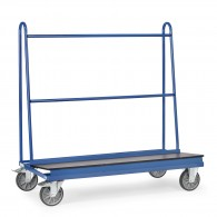 Plattenwagen mit rutschsicherer Ladefläche