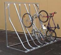 Fahrrad-Kufenparker mit Rückwandstütze