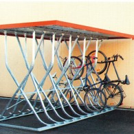 Fahrrad-Kufenparker freistehend, mit Flachdach
