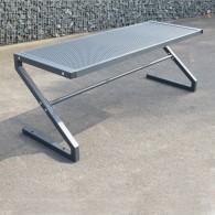 Tisch feuerverzinkt und pulverbeschichtet