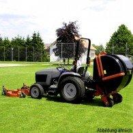 Gras- und Laubsauger mit 1200 oder 1500 Liter Falle