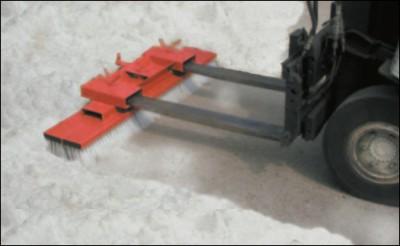 00600211 - Gabelstapler- Kehrbesen
