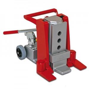 02700011 - Maschinenheber mit integrierter Pumpeneinheit