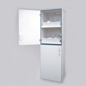 03200082 - Säuren- und Laugen Hochschrank aus PVC, mit 2x2 oder 2x3 Vollauszugsböden, Bauhöhe 1935mm, Breite 600mm, wahlweise mit Plexiglastüren